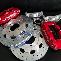 Front Wilwood Brake Kit - 6 piston calipers and 2 piece rotors
